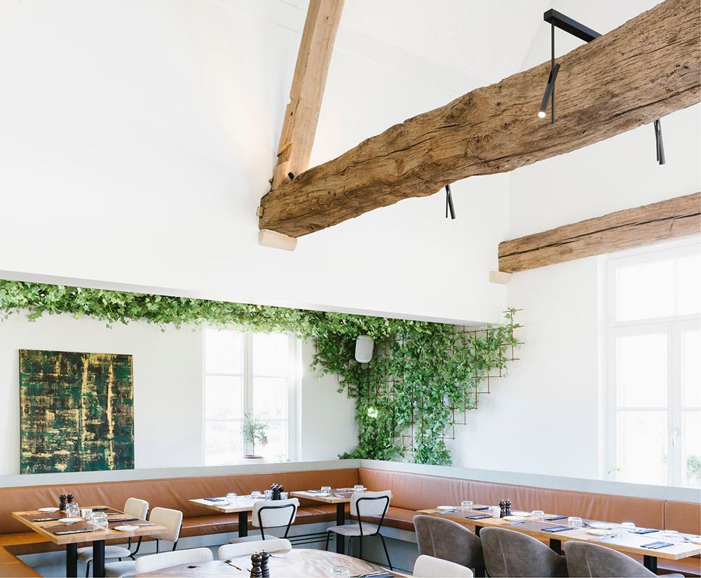 Restaurant met gezandstraalde houten balken – De Straalstudio